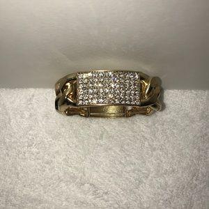 Jewelry - Gold link bracelet